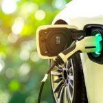 hibrido-carregando-eletrico-rota-2030-shutterstock-565x360
